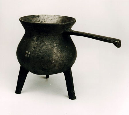 Postcard of Skillet, bronze.